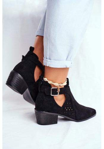 Dámske členkové topánky s výrezmi čiernej farby