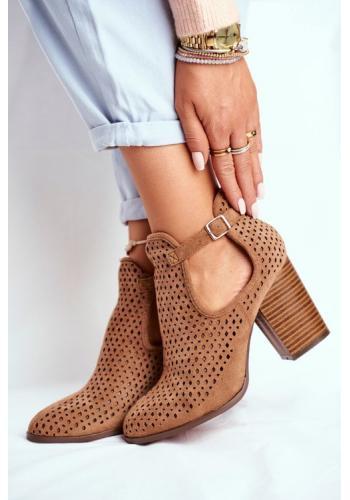 Hnedé semišové dámske topánky s výrezmi