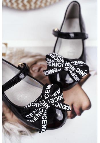 Módne dievčenské balerínky čiernej farby s mašľou