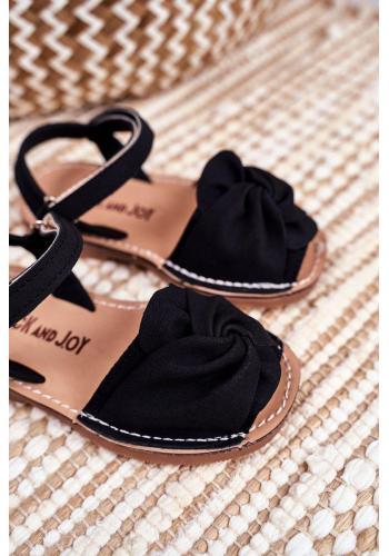 Čierne semišové sandálky so suchým zipsom pre deti