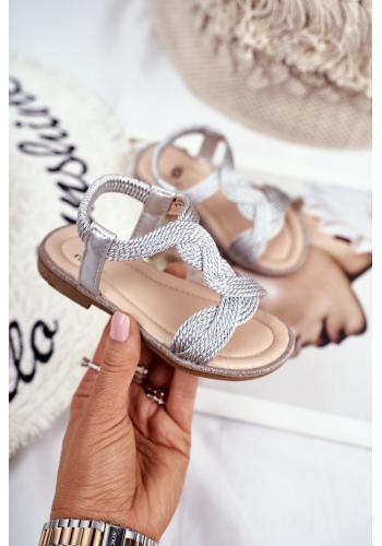Detské krásne sandálky s gumičkou v striebornej farbe