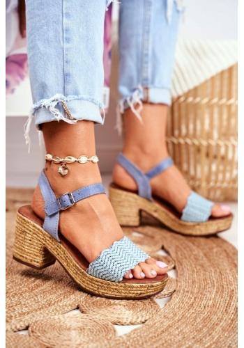 Módne dámske sandále na miernom podpätku modrej farby