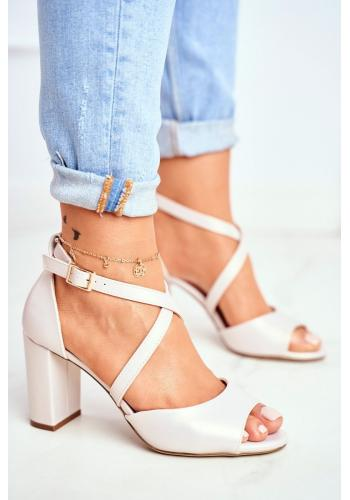 Dámske perleťové sandále na stabilnom podpätku v béžovej farbe