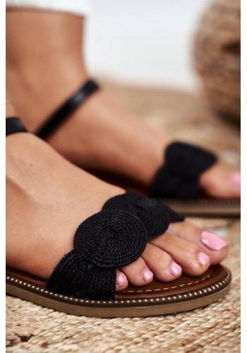 Módne dámske sandále čiernej farby
