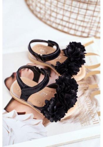 Čierne blikajúce detské sandálky zdobené kvetmi