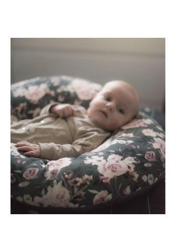 Dojčiaci vankúš v tvare C s vintage kvetmi