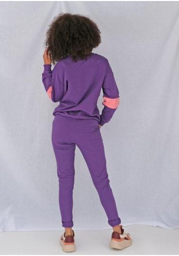 Klasické dámske tepláky s vreckami fialovej farby