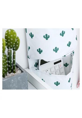 Závesný organizér na hračky v bielej farbe s motívom kaktusov