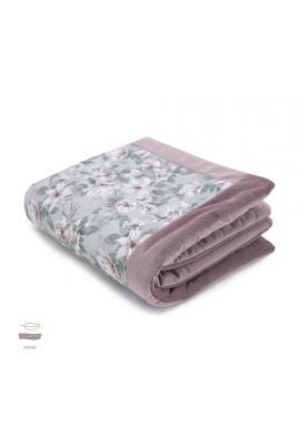 Teplá zamatová deka pre deti s motívom vintage kvetov