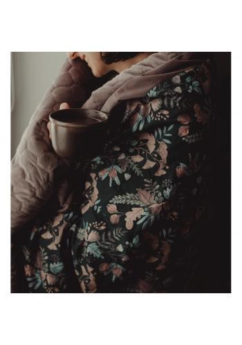 Čierno-zelená zamatová teplá deka s bylinkovým motívom