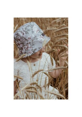 Detský bavlnený klobúk s motívom Savany v bielej farbe