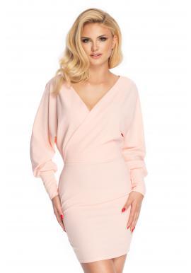 Štýlové dámske šaty s obálkovým výstrihom v púdrovej farbe