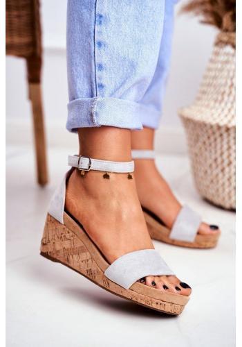 Sivé dámske sandále na klinovom podpätku