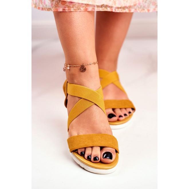 Horčicové nazúvacie sandále na klinovom podpätku pre dámy