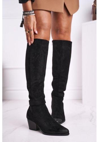 Štýlové dámske semišové topánky na podpätku v čiernej farbe