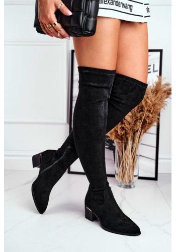 Dámske semišové topánky po kolená v čiernej farbe