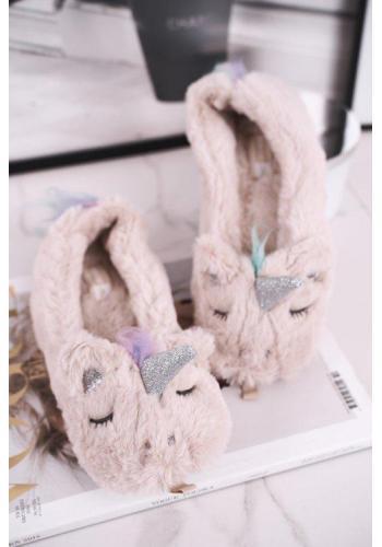 Dámske kožušinové papuče s jednorožcom v béžovej farbe