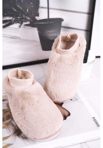 Dámske papuče svetlo hnedej farby s imitáciou ponožky
