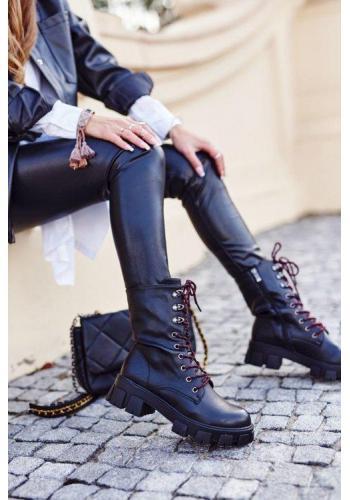Módne dámske topánky v čiernej farbe