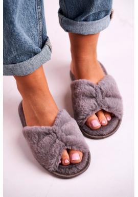 Trendy kožušinové papuče v sivej farbe