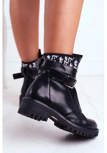 Čierne dámske čižmy s opaskom