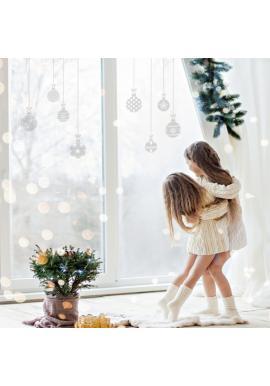 Sada nálepiek v podobe vianočných gúľ
