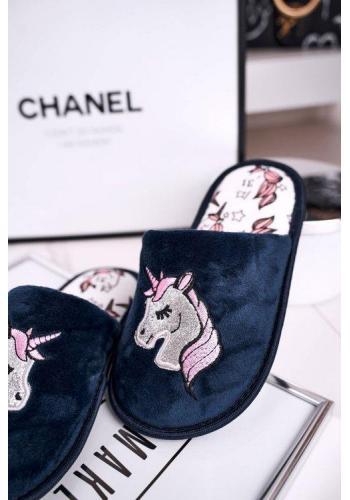 Dievčenské papuče v tmavomodrej farbe s jednorožcom