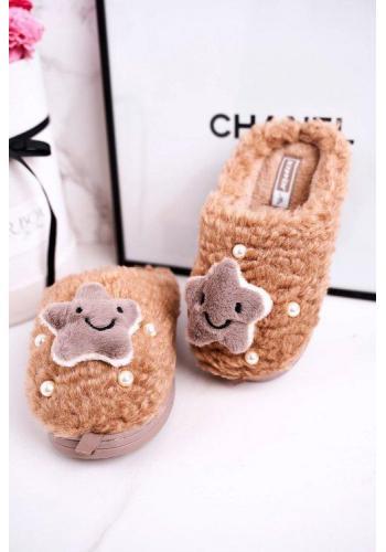 Hnedé papuče s hviezdičkou a perlami