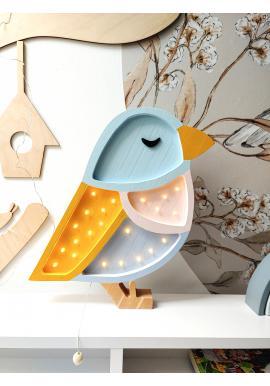 Lampa z dreva v podobe vrabca do detskej izby