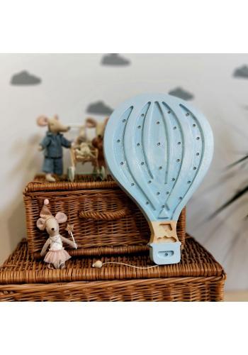 Drevená lampa v podobe balónu pre deti