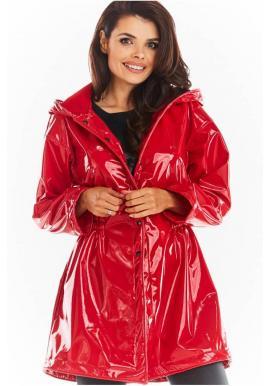 Vinylová dámska bunda červenej farby na jeseň