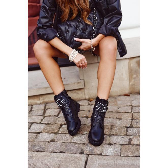 Štýlové dámske topánky v čiernej farbe