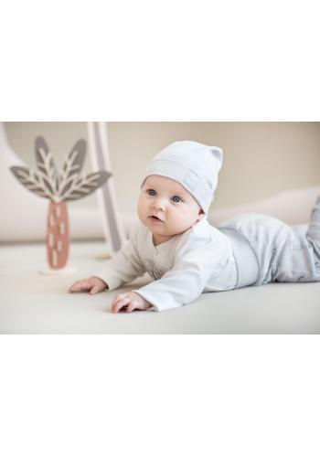Štýlová detská čiapka sivej farby