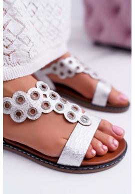 Módne dámske biele sandále s ozdobnou aplikáciou
