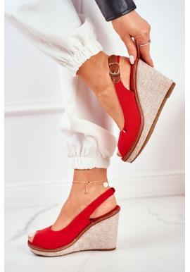 Módne dámske červené sandále na klinovom podpätku