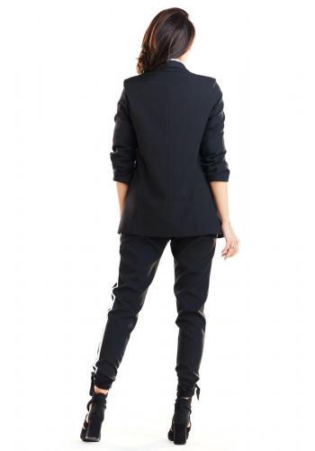 Dámske voľné sako bez zapínania v čiernej farbe