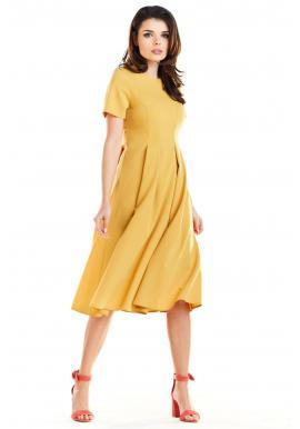 Romantické dámske šaty žltej farby s rozšírenou sukňou