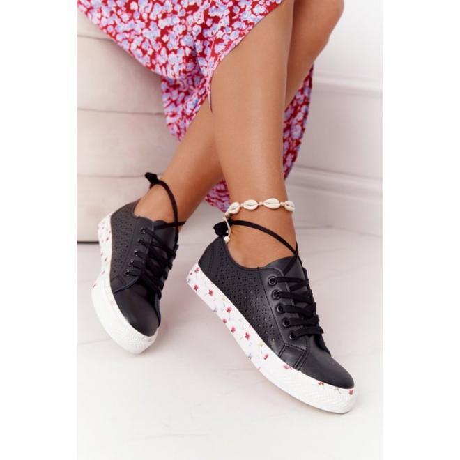 Štýlové dámske tenisky k čiernej farbe