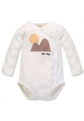 Pohodlné detské body s motívom hôr v smotanovej farbe