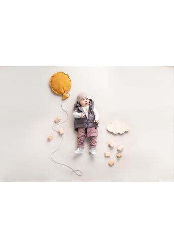 Bavlnená detská čiapka béžovej farby