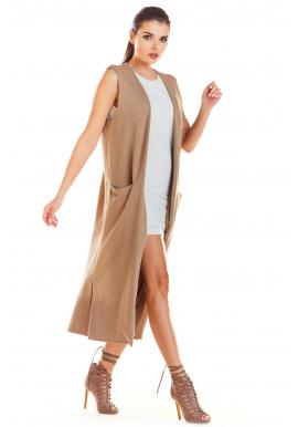 Dlhá dámska vesta béžovej farby s vreckami