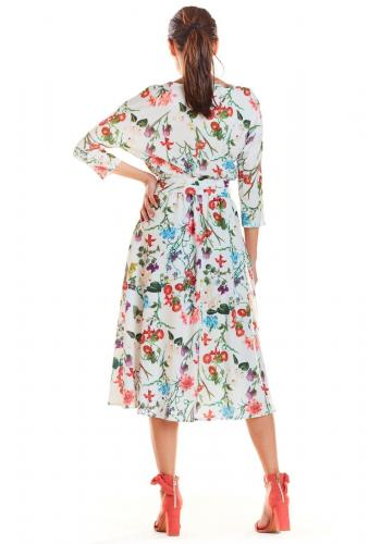 Dámske kvetované šaty s viazaním v páse v bielej farbe