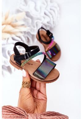 Módne detské sandále s flitrami v čiernej farbe