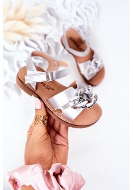 Trendy detské sandále s retiazkou v striebornej farbe