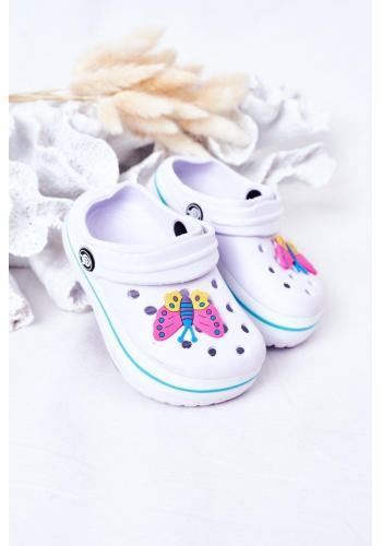 Trendy detské gumené šľapky v bielej farbe
