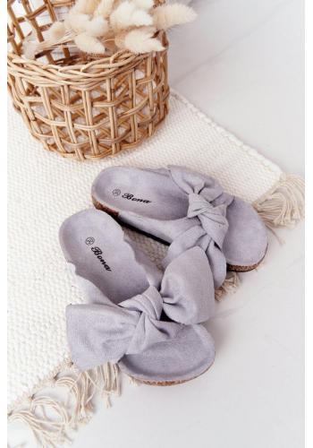 Módne detské šľapky v sivej farbe