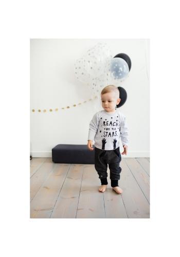 Bavlnená detská blúzka šedej farby s nápisom a hviezdičkami