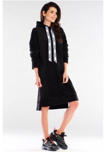 Velúrové dámske šaty čiernej farby s dlhým rukávom