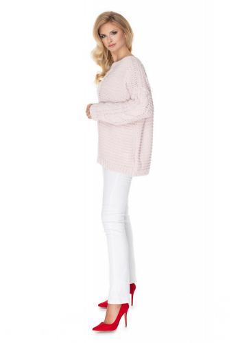Módny sveter s ozdobným vrkočom ružovej farby