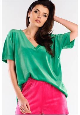 Dámske velúrové tričko s véčkovým výstrihom v zelenej farbe